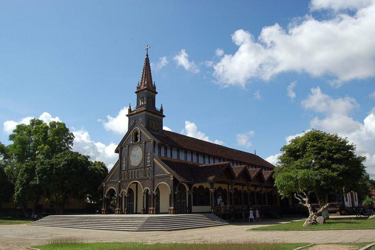 Cathedrale kon tum